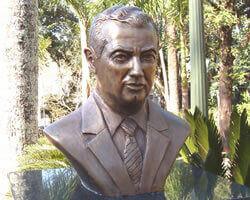 Busto de Bronze